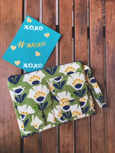 valentine's day gifts 2018 - Wristlet Wallets - Green Floral Print Wristlet