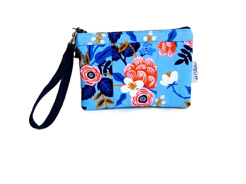 small wristlet purse - blue
