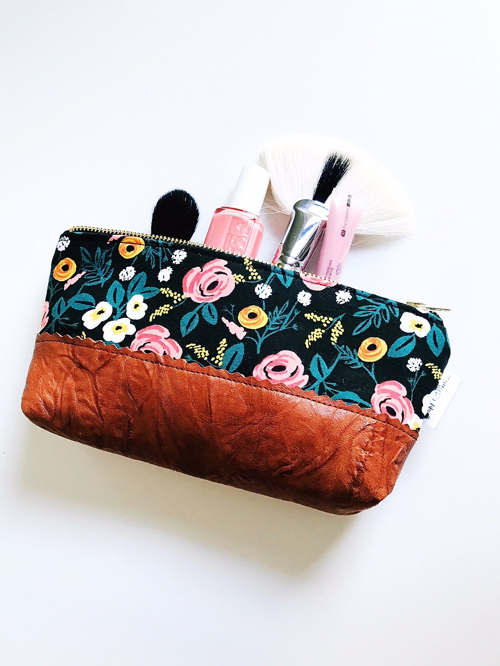 Roses Black Leather Pouch