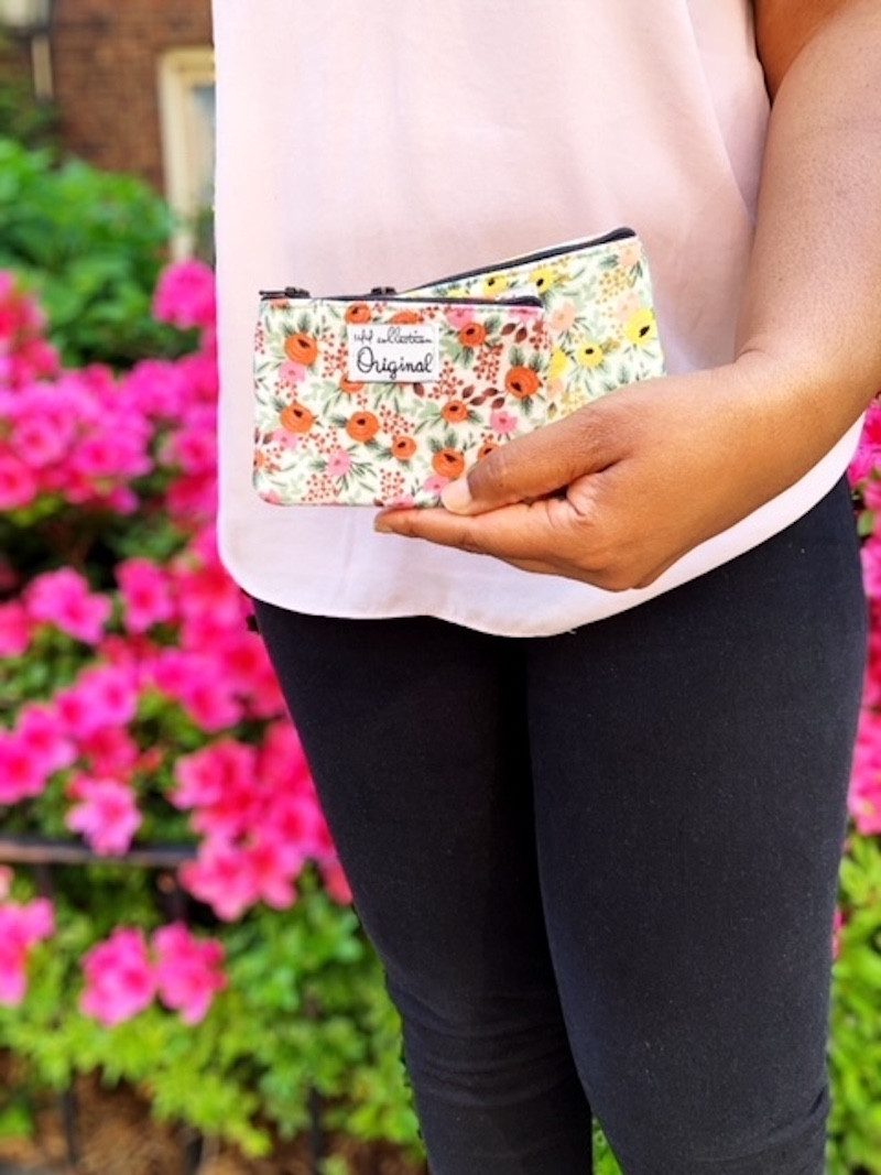 zipper coin purse - fuchsia fedora floral print