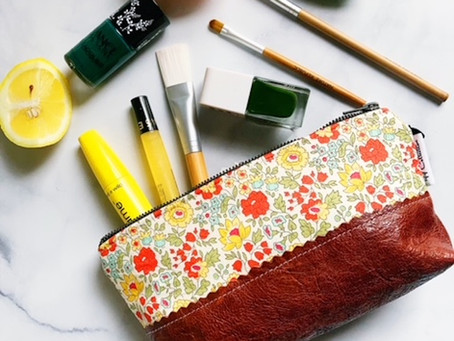 A Fantasy Floral Print Daylily Small Leather Pouch