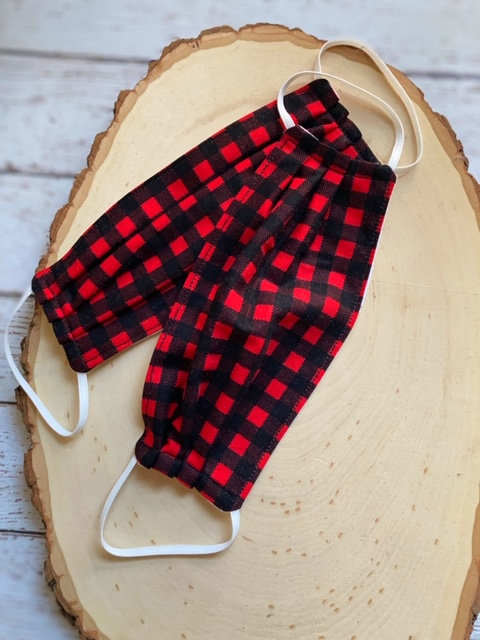 face-mask-red-plaid