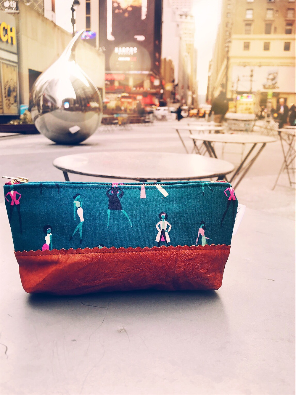 Leather Cosmetic Bag - Silhouettes of Women