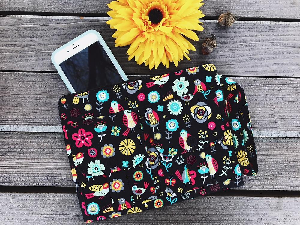 iPhone Wallets for Women - Black Bird Print