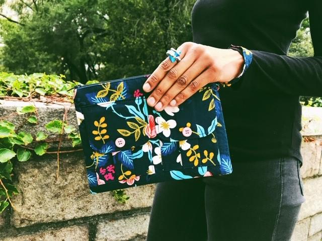 trendy bag - navy blue wristlet