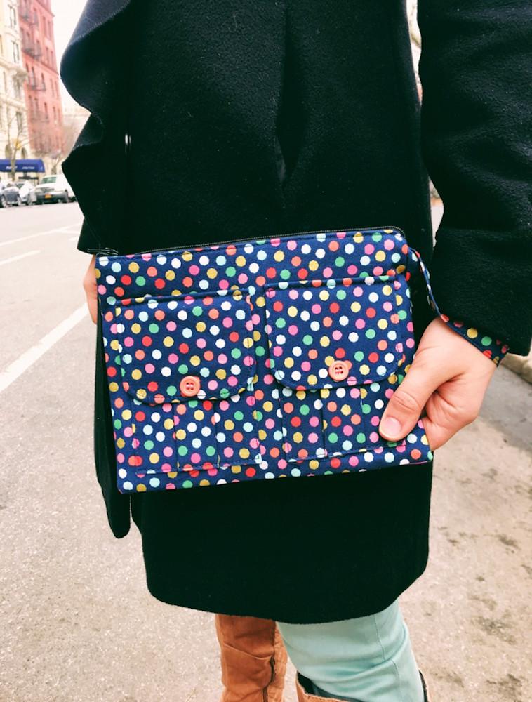 wristlet purse - polka-dot-print-blue