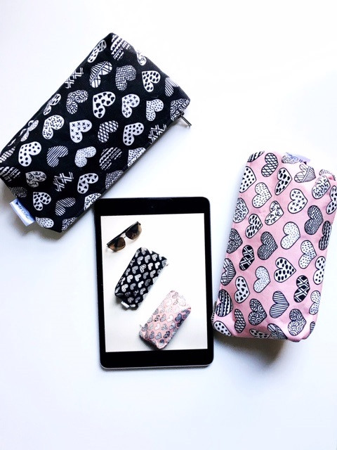 Makeup Bags Made in the USA  - Heart Print Black