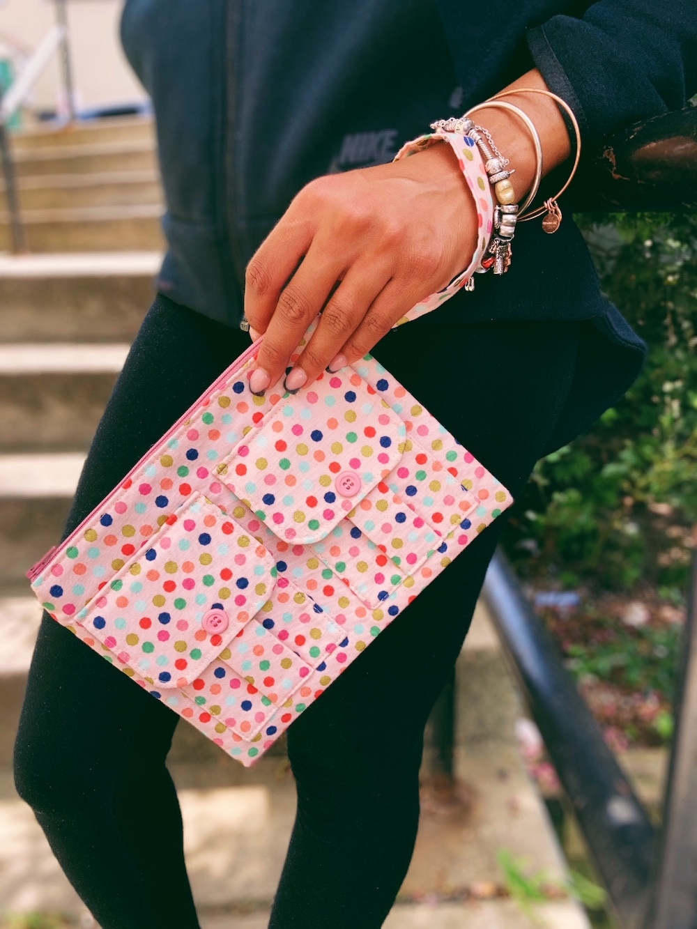 pink-polka-dot-wristlet-purse