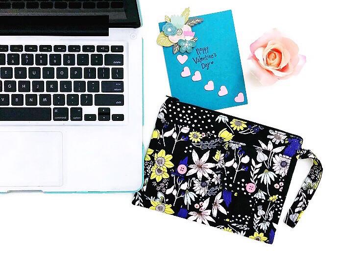 2018 valentines gift ideas - wristlets wallets - black floral print wristlet