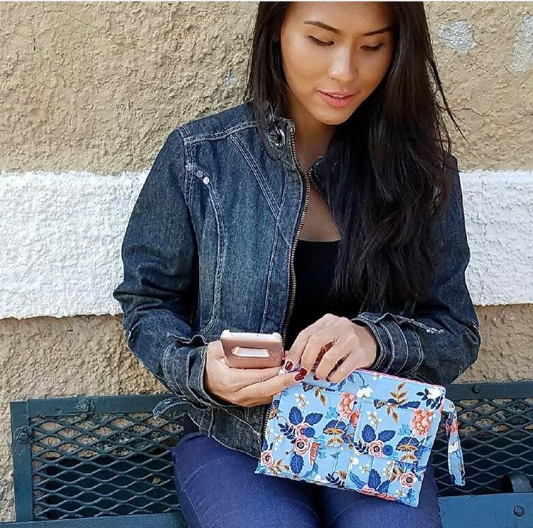 wristlet phone purse - blue floral print
