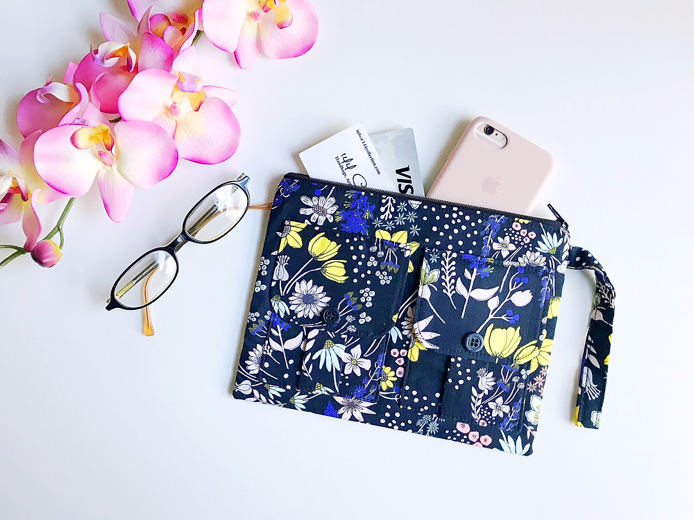 iPhone Wallets for Women - Black Floral Print