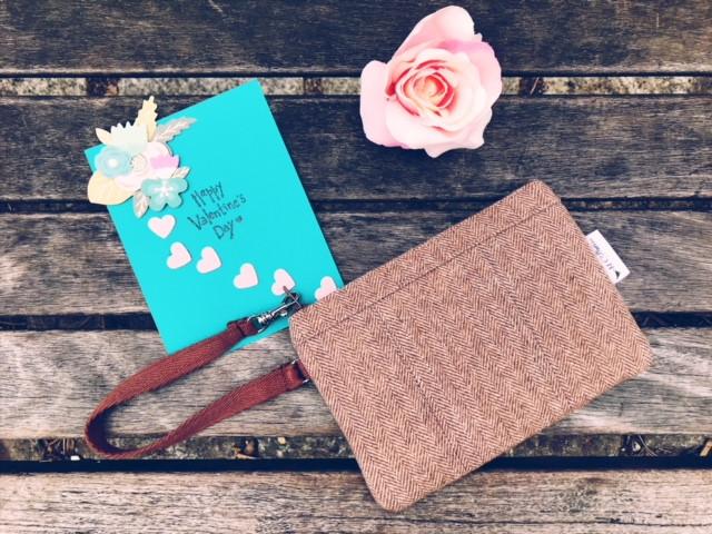 2018 Best Valentines Gift for Her - Wristlet Wallets - Brown Wristlet Wool Tweed
