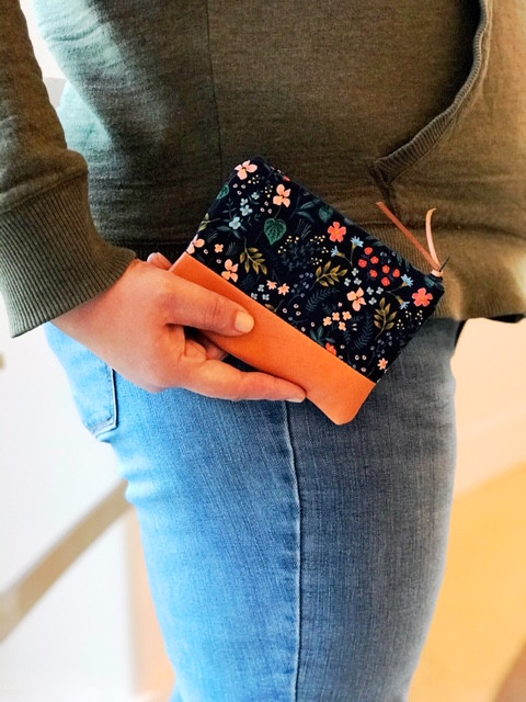 leather coin purse - blue flower print