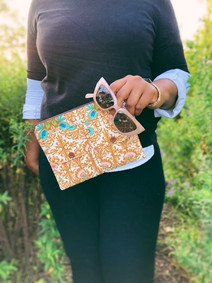 You Need this Wristlet for All the Vintage Fall Vibes