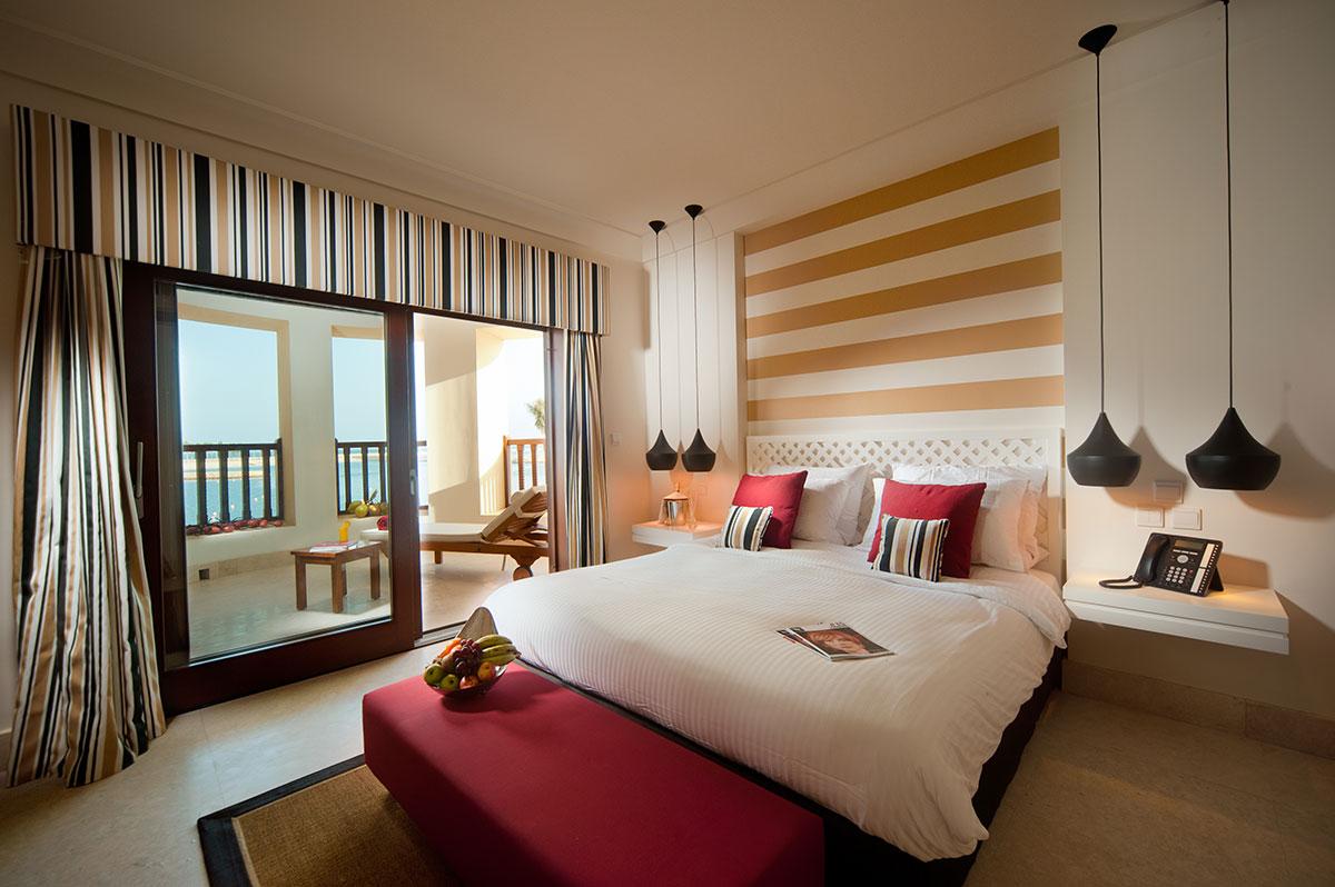Juweira-Boutique-Hotel-Oman-Marina-Suite-1