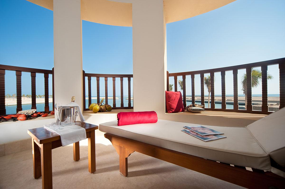 Juweira-Boutique-Hote-Oman-Marina-Suite-terrace