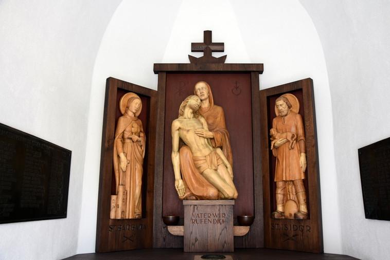 Friedhofkapelle_04.JPG