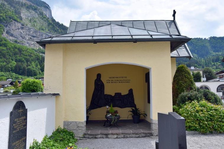 Friedhofkapelle_08.JPG