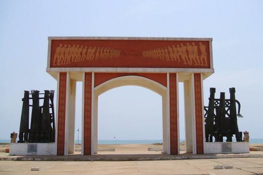 Benin_2013_12_Porte du Non Retour.jpg