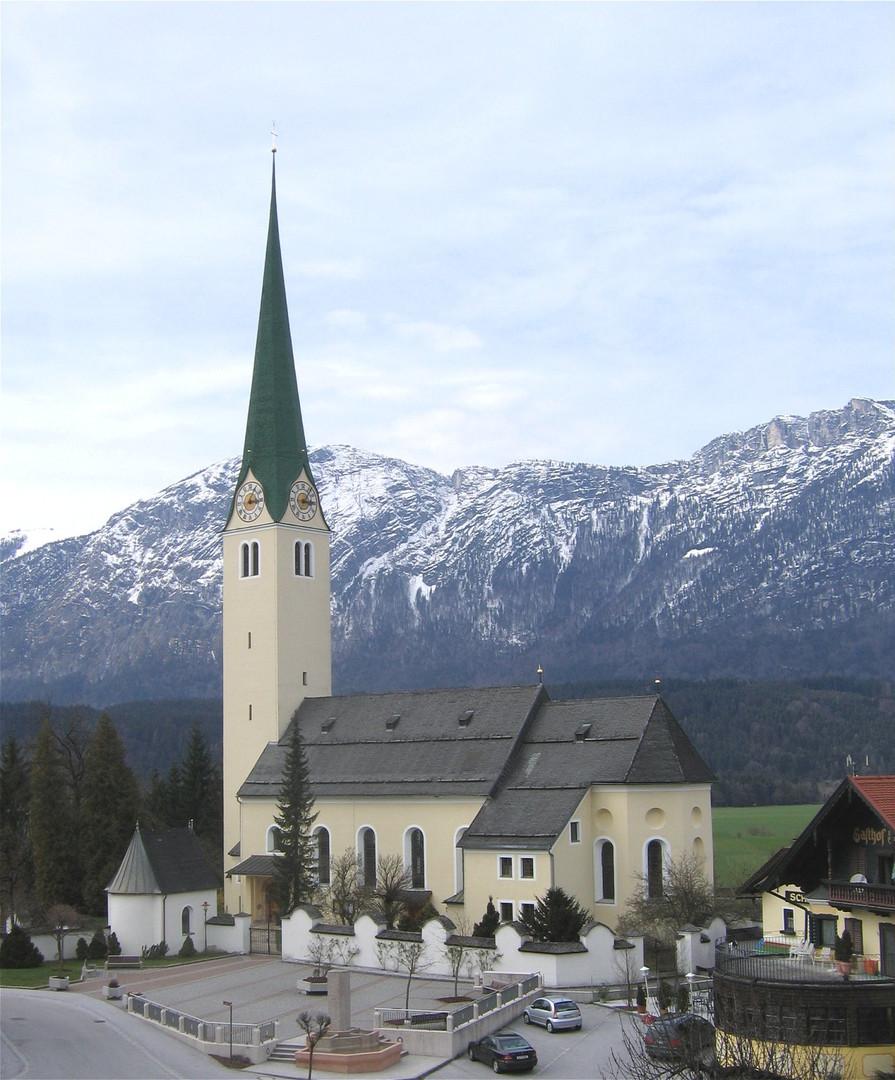 Kirchbichl_Pfarrkirche-1.jpg