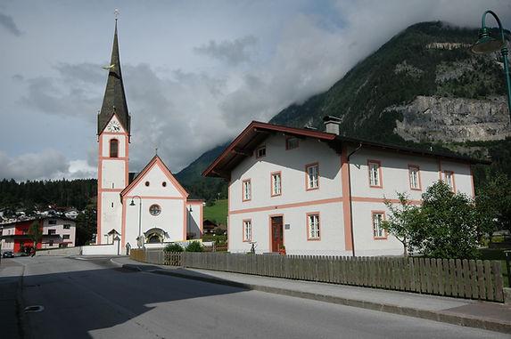 Pfarrhof_Pfarrkirche