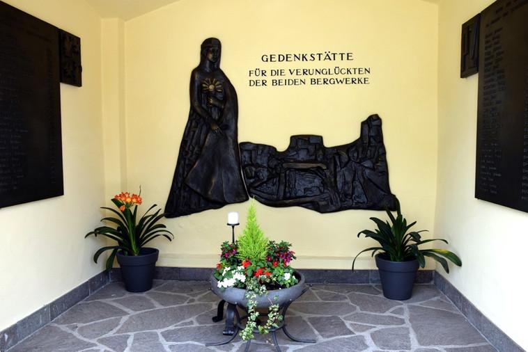 Friedhofkapelle_09.JPG