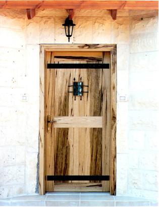 דלת כניסה- עץ לימבה