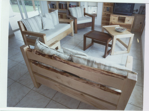 פינת ישיבה- עץ ליבנה בשילוב אמבויה.jpe