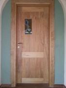 דלת כניסה עם עבודת ויטראז'