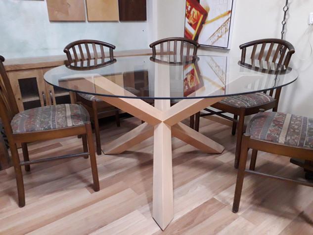 שולחן עגול ל 6 אנשים
