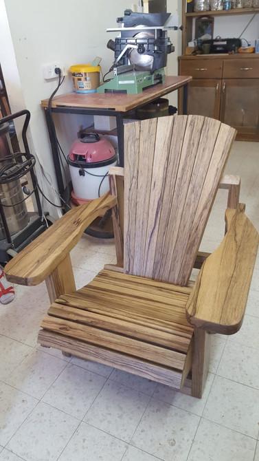 כסא אדירונדק משלים לסלון
