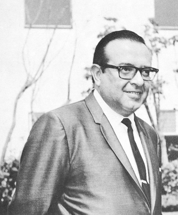 Arq. Pedro Ramírez Vázquez Presidente del COO en 1968