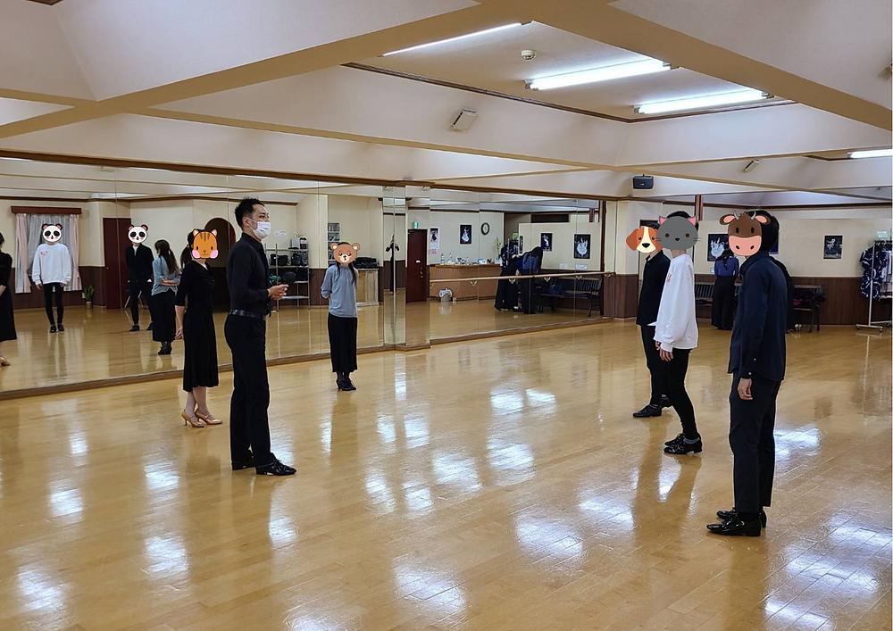 社交ダンス初心者クラスの様子