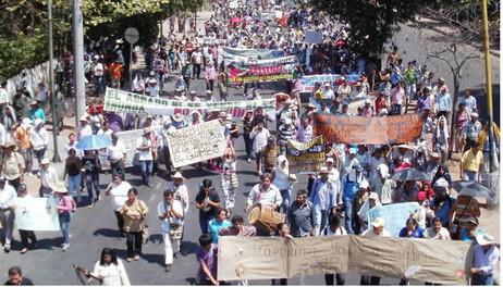 """Movimientos sociales: retos en un contexto """"derechizado"""""""