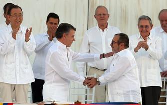 Tras el acuerdo con las FARC-EP, ¿se acaban las negociaciones de paz?