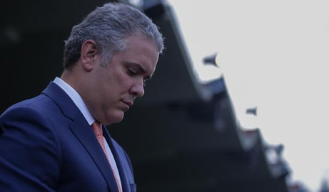 Un presidente de capa caída