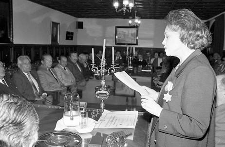 Adiós a un gran carácter : Doña Olga Duque de Ospina