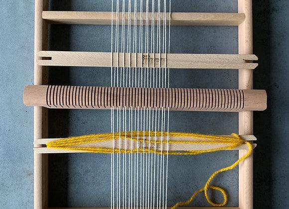 木枠の織り機(L)
