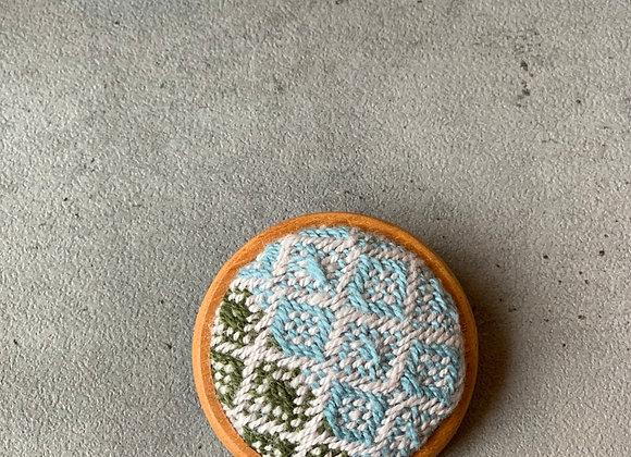 手織りブローチ02
