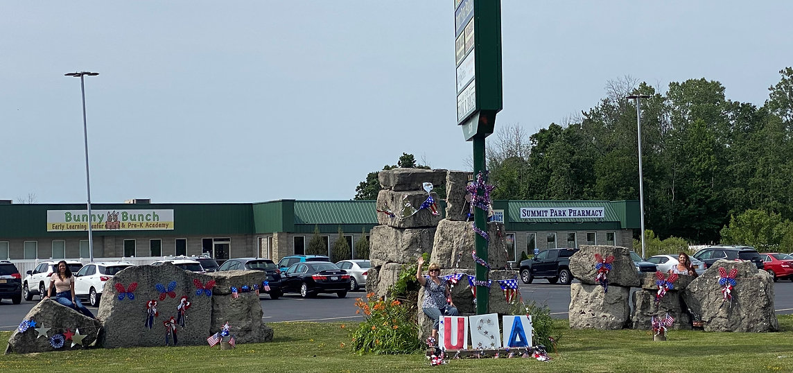 Picture 4th of July fornt of pharmacy.jp