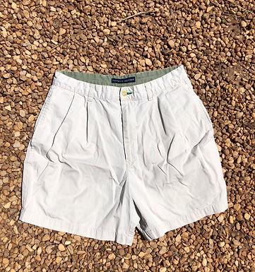 Tommy Hilfiger khaki shorts sz 32