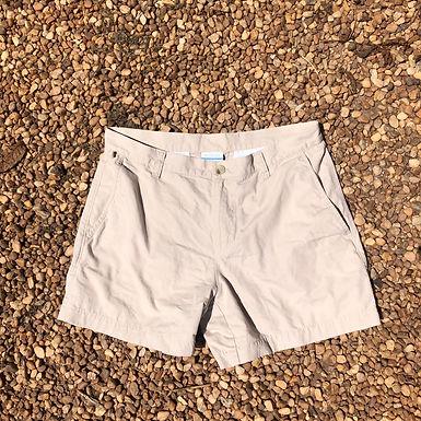 Columbia light khaki shorts sz 32w