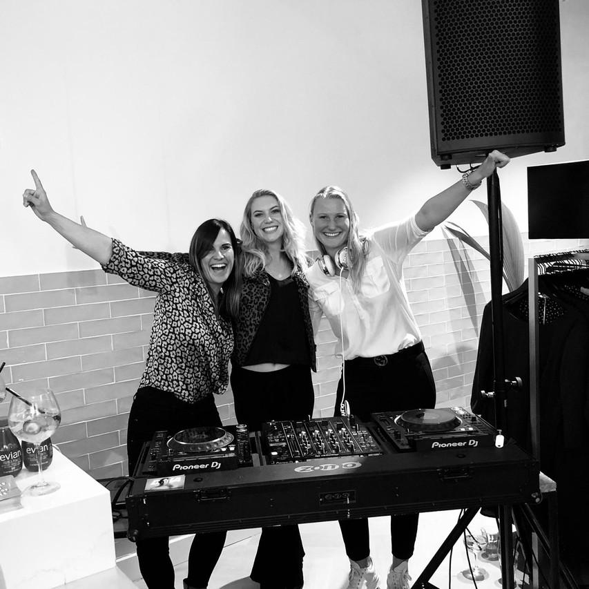 Gig at MyJewellery with DINA van Diest and Jezzie  JazzJazz