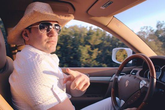 canva-driving,-boy,-man,-drive,-driving-car,-travel-MACZh4TVjMc.jpg