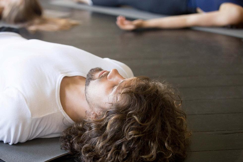 yoga-4124-accueillir-ses-émotionsbdf.jp