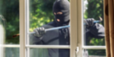 Burglar-breaking-into-a-house-960x480.jp