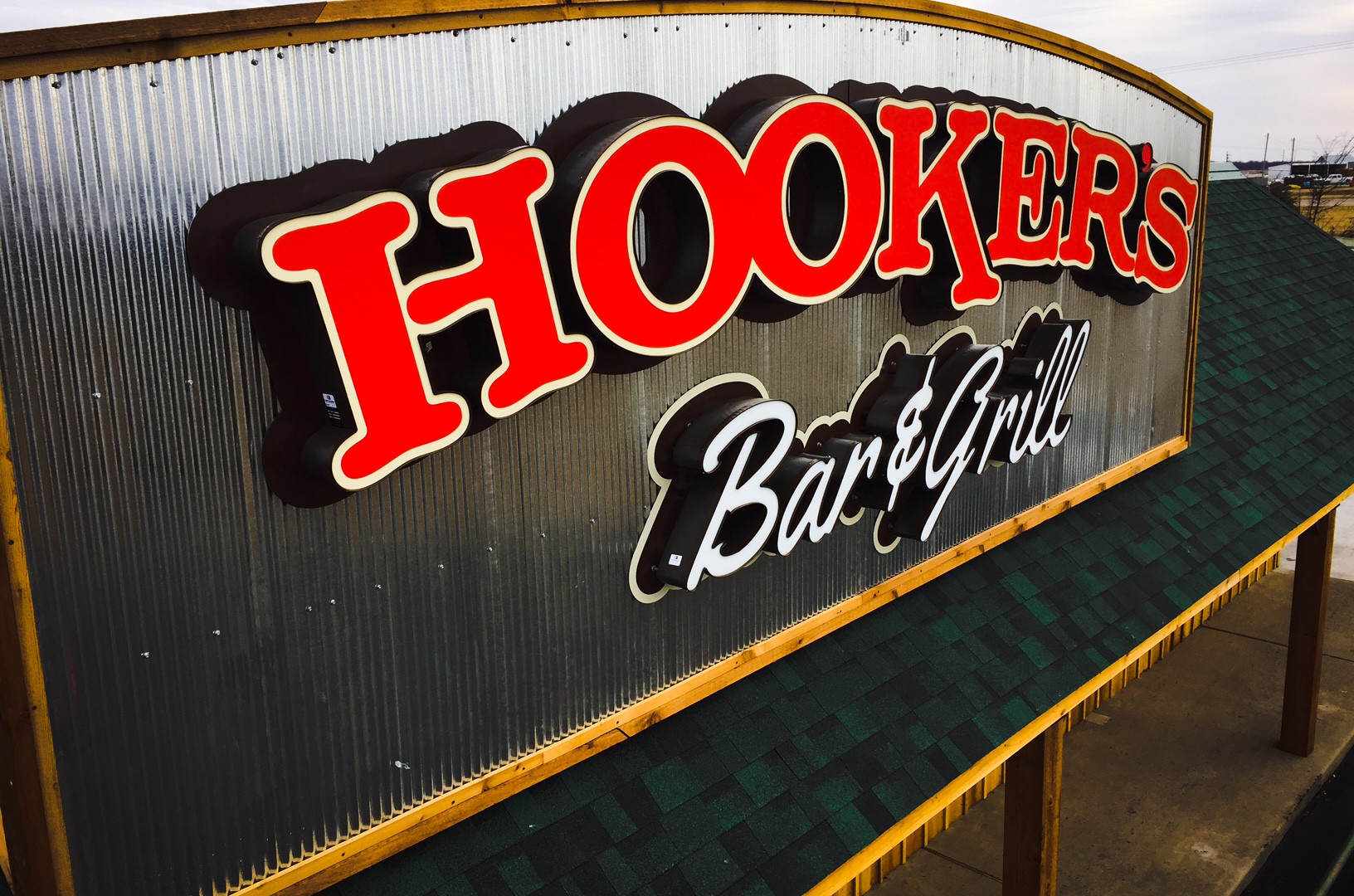 Hookers Bar & Grill