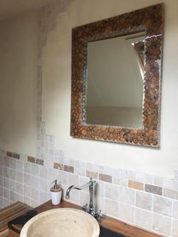 spiegel met epoxy en hout rand