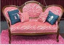 pinkcouch1.jpg