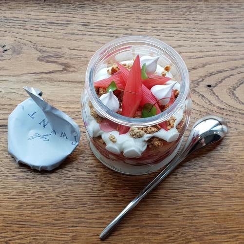 Rhubarb & Granola Yoghurt Pot